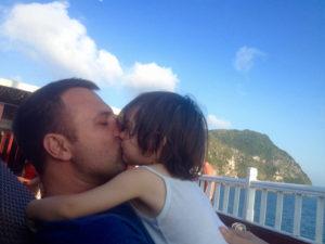 Kisses in Ha Long